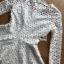 เสื้อผ้าลูกไม้สีขาวทรงคอสูงแขนยาวตกแต่งระบาย thumbnail 7