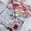 เสื้อยืดสีขาวปักดอกไม้สไตล์CHANELสตรีทชิค thumbnail 4