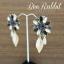 ต่างหูระย้า ประดับพลอยสีดำ เทา ม่วง รูปดอกไม้ แต่งใบไม้สีทองฉลุ thumbnail 2
