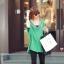 เสื้อแฟชั่นแต่งคอวีทรงสบายสีเขียวตามแบบนะค่ะ thumbnail 2