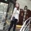 Chu ViViเสื้อผ้าแฟชั่นเกาหลี เสื้อแขนสามส่วนผ้าไหมพรมสีขาว thumbnail 2