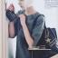 LAOCAI-BAG กระเป๋าสะพายแฟชั่นหนังสีดำ แต่งหมุดเหลี่ยมสีทอง ด้านข้างติดซิป มีกระเป๋าใบเล็กมาให้พร้อมค่ะ thumbnail 2