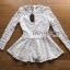 เสื้อผ้าลูกไม้สีขาวทรงคอสูงแขนยาวตกแต่งระบาย thumbnail 4