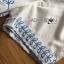 เซ็ตเสื้อและกางเกงผ้าคอตตอนสีขาวปักและฉลุลายดอกไม้สีฟ้า thumbnail 7