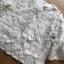 เสื้อผ้าคอตตอนทับด้วยผ้าตาข่ายปักดอกไม้สีขาว thumbnail 4
