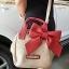 ภูมิใจเสนอ น่ารักฝุดๆ พร้อมส่งใบเดียวเลยนะคะ BCBG sweet bow bag พร้อม tag จ้า thumbnail 2