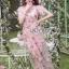 เดรสผ้าทูลเลปักดอกไม้กุหลาบสีชมพูทับลูกไม้สีชมพู thumbnail 2