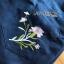 เซ็ตเสื้อถักนิตลายทางทรงเปิดไหล่และเอี๊ยมยีนส์ขาสั้นปักลายดอกไม้ thumbnail 6