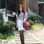 เสื้อแฟชั่นเกาหลีสกรีนลายด้านหน้าแต่งกระดุมแขนตุ๊กตาจับจีบไขว้กันน่ารักค่ะ thumbnail 9